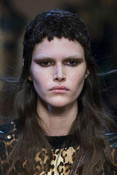 Givenchy at Paris Fall 2016 (Details)