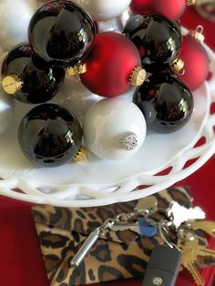 Cake Plate Ornaments - Holiday Entryway Ideas on HGTV