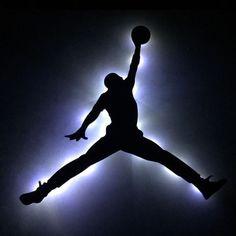 Long term goal Get my own custom Jordan shoe line like drake Michael Jordan Symbol, Michael Jordan Art, Michael Jordan Pictures, Indoor Basketball Court, Basketball Art, Basketball Pictures, Jordan Basketball, Custom Jordan Shoes, Custom Jordans