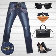 Acompaña tus jeans #Cafe7, con unos tacones negros, lentes chic y cartera negra, que además de bonitos vienen genial para los días largos y repletos de actividades.  Eso sí, ¡no olvides combinar todo con perfume ;)! #Moda #Denim #Outfit #Cafe7