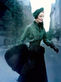 Wearing Christian Dior 1949 | da dovima2010