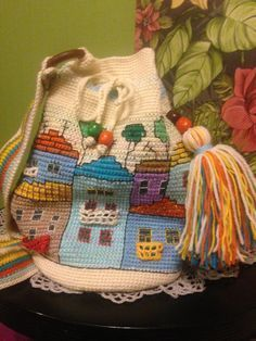 Luna Azul | VK Tapestry Crochet Patterns, Crochet Patterns Amigurumi, Knit Crochet, Old Quilts, Handmade Handbags, Crochet Purses, Knitted Bags, Fabric Art, Cross Stitch Embroidery