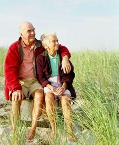Secret to Longevity - Character Not Just Calisthenics - Psychology Today Older Couples, Couples In Love, Vieux Couples, Bonheur Simple, Grow Old With Me, Growing Old Together, Old Folks, Lasting Love, Old Age