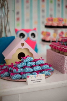 Pretty Little Owl party. Love the photos from each month of babys life! DOING THIS!