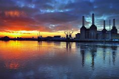 In Photos: Spectacular London Sunrises Best Places In London, Battersea Power Station, Art Deco Stil, Beautiful London, Restaurant, London Life, London Calling, London Travel, London England