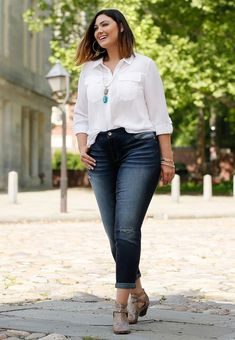 Cute Outfits For Plus Size Women. Graceful Plus Size Fashion Outfit Dresses for Everyday Ideas And Inspiration. Plus Size Refashion. Curvy Outfits, Mode Outfits, Plus Size Outfits, Casual Outfits, Easy Outfits, Grunge Outfits, Plus Size Fashion For Women, Latest Fashion For Women, Plus Size Women
