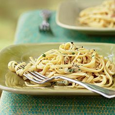 Linguine Carbonara - Healthy Recipes for Two - Cooking Light Mobile Healthy Food Recipes, Healthy Cooking, Pasta Recipes, Dinner Recipes, Healthy Eating, Cooking Recipes, Yummy Food, Pasta Carbonara, Pasta Linguini
