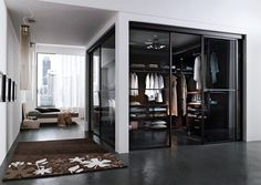 Walk in Wardrobe. Bachelor pad!