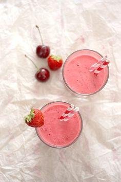 Smoothie d'été fraise-cerise - Gourmandiseries - Blog de recettes de cuisine simples et gourmandes