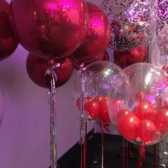 Ya huele a Navidad #inglobentuevento . . . . #orbz #globos #confettiballoon #red #christmas #party #fiestadefindeaño #stanhome #globosgigantes #bigballoons