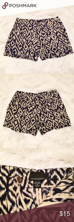 """Cynthia Rowley Tribal Native Print Shorts Navy blue/cream printed shorts  Waist ~30"""" Rise 9"""" Inseam 4""""  55% Linen 45% Rayon  Thank you for looking!  May require pressing or steaming upon arrival Cynthia Rowley Shorts"""
