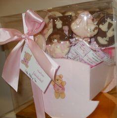 Regalo de Chocolates de nacimiento en cuna