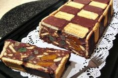 Tort de biscuiti Romanian Desserts, Romanian Food, Pinterest Recipes, Sweet Desserts, Biscuit, Food To Make, Breakfast Recipes, Sweet Treats, Easy Meals