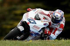 beautiful ducati at phillip island 2009 stoner won after such a long time out