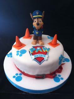 Paw patrol cake, chase