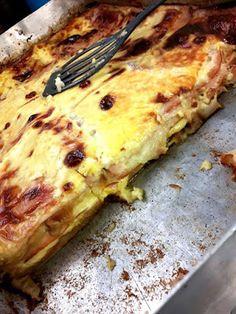 Σουφλέ με ψωμί του τοστ,τυρί και γαλοπούλα !!! ~ ΜΑΓΕΙΡΙΚΗ ΚΑΙ ΣΥΝΤΑΓΕΣ Cookbook Recipes, Cooking Recipes, Greek Cooking, Lasagna, Food And Drink, Pizza, Cheese, Cookies, Breakfast