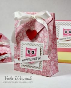 3D Valentine's Cute Bag using CTMH Sweetheart paper and Whooo's Your Valentine stamp set (and the Envelope Punch Board).  by Vicki Wizniuk
