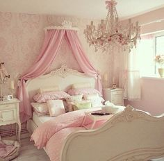 Before starting to decorate, check out these awesome pink decor inspirations! Discover, with Circu, the best selected inspirations for the perfect room decor! Find the right ideas at www.circu.net