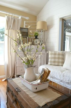 Farmhouse Decor and Vintage Pitcher