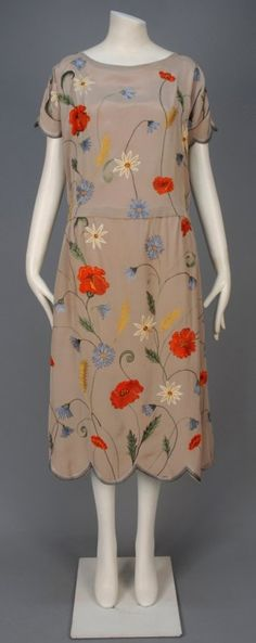 TAMBOUR EMBROIDERED SILK DRESS, 1920-1924. : Lot 512