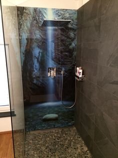Die Alternative zur Wandfliese in Dusche und Bad! Bedruckte Rückwände aus Alu-Verbund, Acryl oder Glas von Schön & Wieder! Einfach genial! Keine Fugen, kein Schimmel und einfache Montage!  #Duschrueckwand #SchoenundWieder