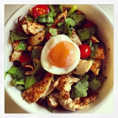eatright-looktight:  Lunch: Chicken, egg, baby spinach and grape...