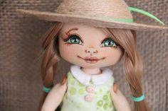 Купить или заказать Дело в шляпе в интернет-магазине на Ярмарке Мастеров. Текстильная кукла,можно играть, полностью подвижна, вся одежда и обувь…