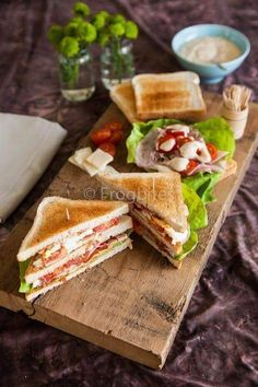 Classic club sandwich for the monthly mingle American theme. Classic club sandwich for the monthly mingle American theme. Healthy Sandwiches, Wrap Sandwiches, Tasty, Yummy Food, Snacks, Bagels, High Tea, Love Food, Brunch