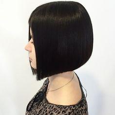 Classic graduation bob #ivanduda #micstylingsplit #hair #haircut #hairbrained #Hairclublive #bob #graduation #precisioncut #modernsalon #behindthechair #sassoon #salonwork #paulmitchell #geometry #line #shape #hairfashon #barberlife #barberlove #hairdresser