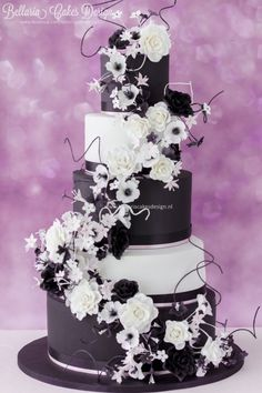 Gorgeous for a black and white wedding.