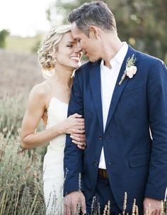 Rustic chic vineyard wedding: www.stylemepretty… Photography: Caitlin O'Reilly… Rustic chic vineyard wedding: www.stylemepretty… Photography: Caitlin O'Reilly –caitlinoreillypho… Wedding Picture Poses, Outdoor Wedding Pictures, Photo Ideas For Wedding, Wedding Family Photos, Unique Wedding Poses, Romantic Wedding Photos, Funny Wedding Photos, Outdoor Photos, Indoor Wedding