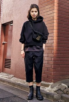 Find a fashionable local! Overseas Street Snap: Paris-Find a fashionable local! Overseas street snap – Miracles from Nature Androgynous Fashion Women, Tomboy Fashion, Vogue Fashion, Fashion Outfits, Womens Fashion, Casual Outfits, Cute Outfits, Easy Outfits, Casual Street Style