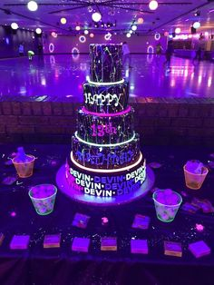 Best Birthday Party Ideas For Teens Sweet 16 Decorations 57 Ideas Sleepover Birthday Parties, Birthday Party For Teens, Sweet 16 Birthday, 16th Birthday, Birthday Party Decorations, Neon Birthday Cakes, Neon Party Themes, Birthday Ideas, Teen Pool Parties
