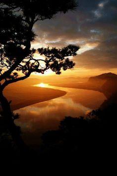 被写界深度 — sundxwn: Sunrise by Phillip Lim Image Zen, Landscape Photography, Nature Photography, Photography Camera, Night Photography, Foto Picture, Cool Pictures, Beautiful Pictures, Beautiful Sunrise