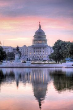 ✯ The Capitol at Dawn