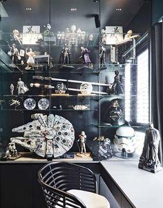 Star Wars Room Decor, Star Wars Bedroom, Cosy Apartment, Design Apartment, Apartment Plants, Apartment Interior, Nave Lego, Decoracion Star Wars, Star Wars Figurines