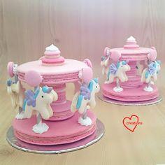 Loving Creations for You: Unicorn Macaron Carousel II (reduced sugar recipe) Macaron Cake, Macaron Cookies, Raspberry Smoothie, Apple Smoothies, Fun Cupcakes, Cupcake Cakes, Cake Pops, Unicorn Macarons, Carousel Cake