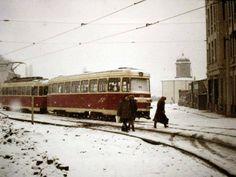 Zona pieței Sfânta Vineri cu biserica Sf. Nicolae Jitniță pe fundal în iarna lui '76 Bucharest, Socialism, Eastern Europe, Homeland, Locomotive, Transportation, Street View, Country, Places