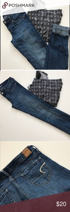 Size 4 American Eagle long jeans Really flattering, almost new AE jeans American Eagle Outfitters Jeans Skinny