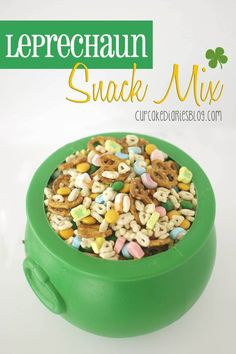 Leprechaun Snack Mix - A fun and easy snack mix for St. Patrick's Day!: