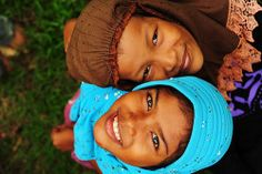 Sumatran girls (by anthonyasael)