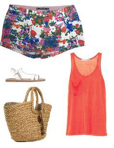 #Shorts de flores http://www.marie-claire.es/moda/tendencias/fotos/asi-se-llevan-los-shorts-este-verano/look-verano-short-flores