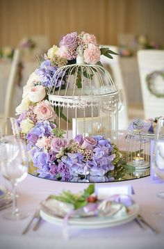 Reception: Birdcage decorated with hydrangeas as my card box
