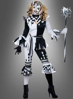 Harlekin Clown in schwarz-weiß  Unser Harlekin Clown in schwarz-weiß ist ein frecher Narr. Das Kostüm ist ideal für Frauen, die zu Karneval oder auf der Black & White Mottoparty gerne Schabernack treiben.   Das Harlekinkostüm für Damen hat viele schöne Details. Die Farben Schwarz und Weiß wechseln sich ab und bilden ein freches Muster über die komplette Verkleidung verteilt.    Harlekin Damenkostüm in tollem Design  Das Oberteil mit auffallenden zackigen Ärmelabschlüssen ist an den Säumen mit T Halloween Circus, Halloween Costumes, Harley Quinn, Old Fashioned Fudge, Body Painting Festival, Circus Fashion, Jester Costume, K Om, Casino Costumes