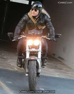 Justin Theroux rides his Ducati from a gym donning an oversized back back pictures Back Pictures, Back Photos, Justin Theroux, Ducati, Photo Galleries, Celebrity, Events, Gym, Happenings