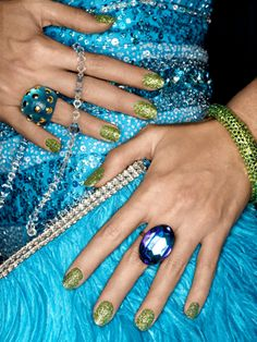 the green and blue combination is awesome, plus there are so many more fun nail ideas
