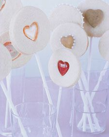 These sugar cookie lollipops embedded with candy hearts make the perfect edible Valentine. For a variation without candy centers, try our valentine sandwich cookie pops. Valentine Day Crafts, Valentine Heart, Happy Valentines Day, Valentines Day Desserts, Valentine Cookies, Confectionery, Dessert Recipes, Cookies Et Biscuits, Jam Cookies
