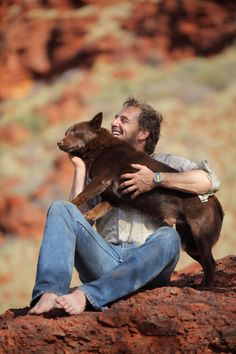 Josh Lucas and the australian kelpie Koko from the movie Red Dog. The greatest film ever! Lucas Movie, I Movie, Movie Stars, Josh Lucas, Funny Animals, Cute Animals, Animal Fun, Andy Garcia, Man And Dog