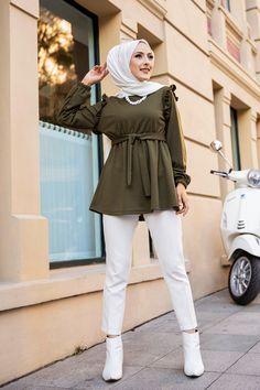Hijab Fashion Summer, Long Skirt Fashion, Modest Fashion Hijab, Casual Hijab Outfit, Muslim Fashion, Girls Fashion Clothes, Fashion Outfits, Fashion Drawing Dresses, Hijab Fashionista