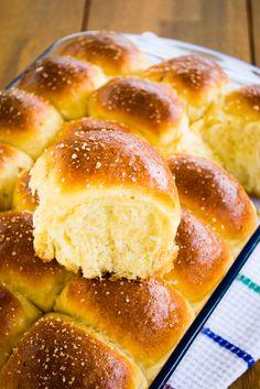 Pancitos de Papa Pan Bread, Bread Cake, Mexican Sweet Breads, Delicious Desserts, Dessert Recipes, Bread Dough Recipe, Peruvian Recipes, Dinner Rolls, Sin Gluten